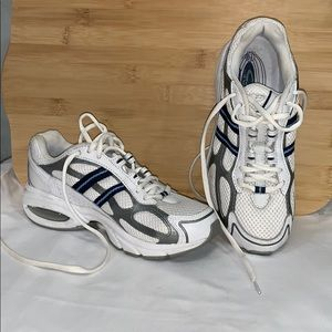 Champions tennis shoes